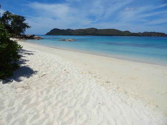 Praslin Island-Seychelles-beach