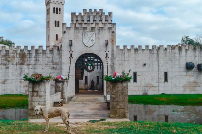 Newmans Castle Entrance