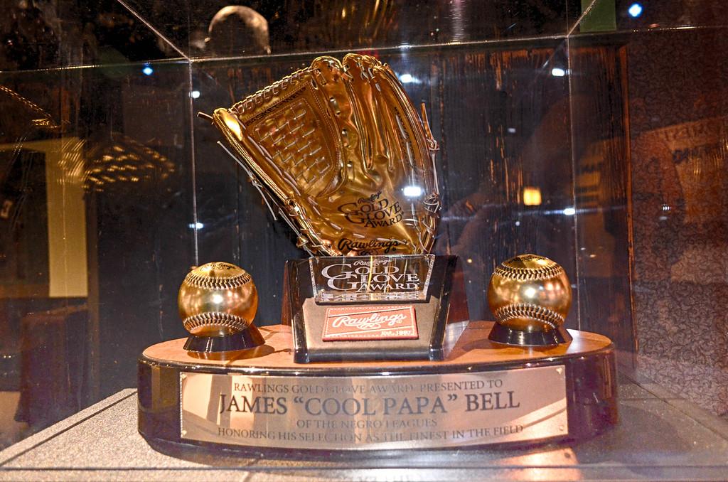 Golden Glove Cool Papa Bell
